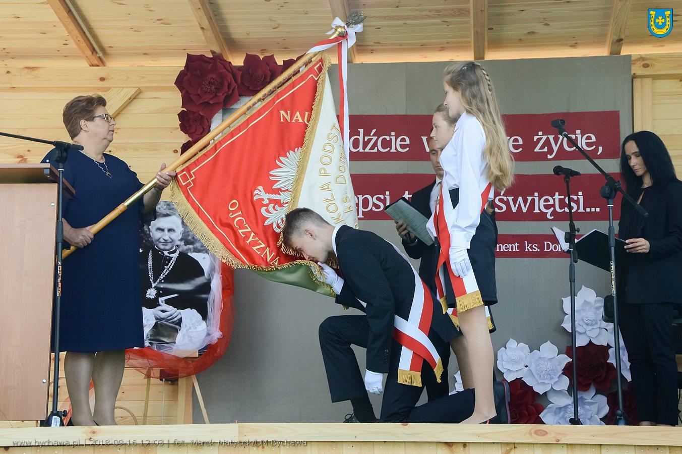 Uroczystość nadania Szkole Podstawowej w Zaraszowie imienia ks. Dominika Maja – zdjęcia