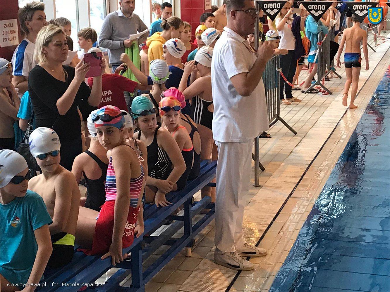 Uczniowski Klub Pływacki Bychawa na zawodach w Krasnymstawie