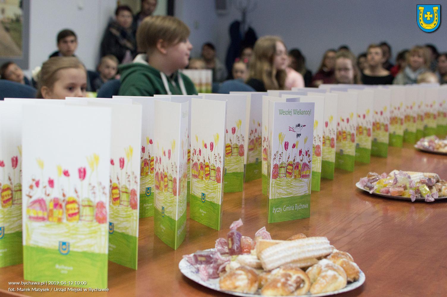 Wręczono nagrody w konkursie na projekt świątecznej kartki pocztowej  Gminy Bychawa WIELKANOC 2019