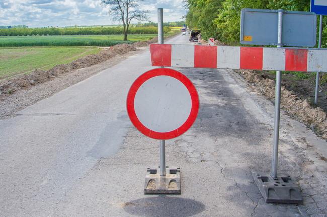 Droga powiatowa Zaraszów – Wysokie będzie zamknięta w czwartek i piątek (29-30.10.2020) w godzinach od 7 do 18