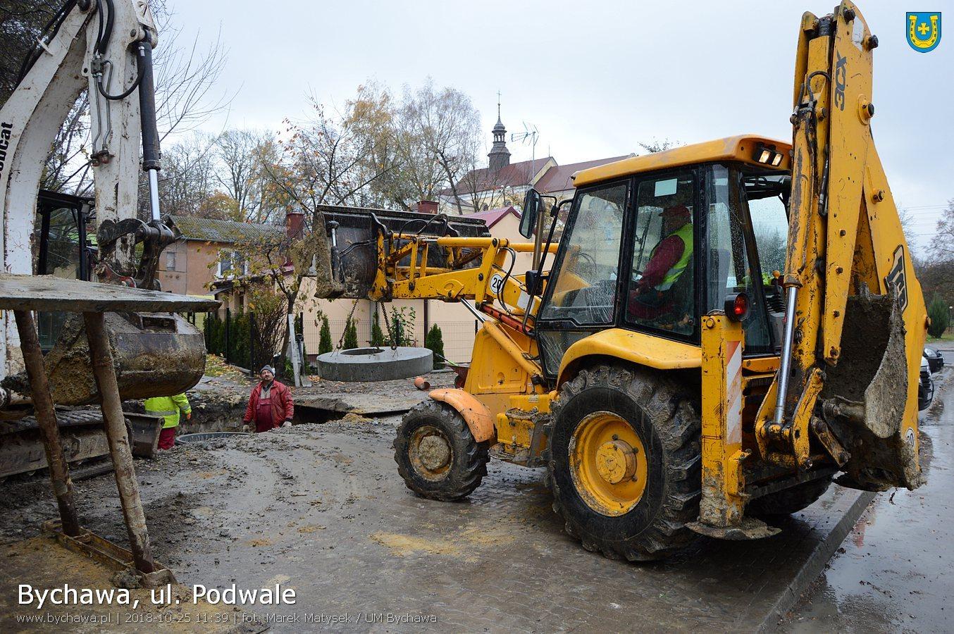Trwa budowa kanalizacji sanitarnej przy ul. 11 Listopada i ul. Podwale w Bychawie