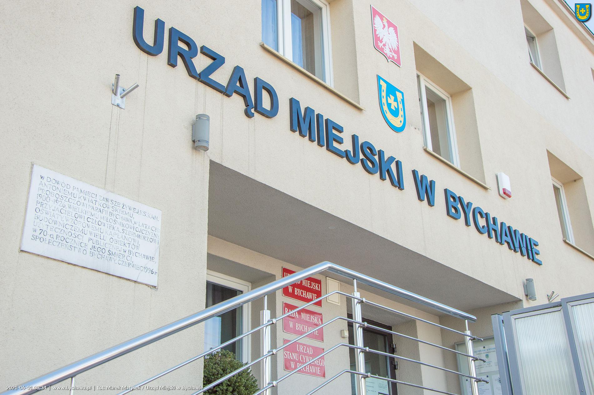 Ogłoszenie w sprawie ustalenia wykazu nieruchomości stanowiącej własność gminy Bychawa, zabudowanej budynkiem wielorodzinnym, w którym lokal mieszkalny został przeznaczony do sprzedaży wraz ze sprzedażą ułamkowej części gruntu na rzecz najemcy